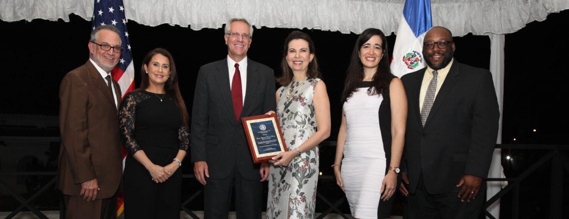 Embajada de los Estados Unidos reconoce a Soraya Checo como Mujer Destacada 2018